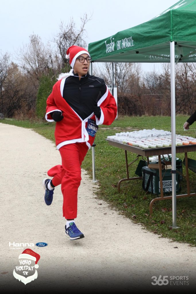 http://photos.zoomphoto.ca/gallery/Holiday5K
